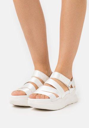 LA SHORES - Platform sandals - white