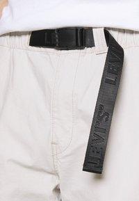 Levi's® - FIELD PANT - Trousers - pumice stone - 5