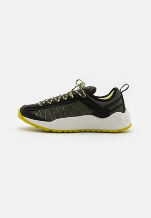 SOLAR WAVE  - Trainers - dark green