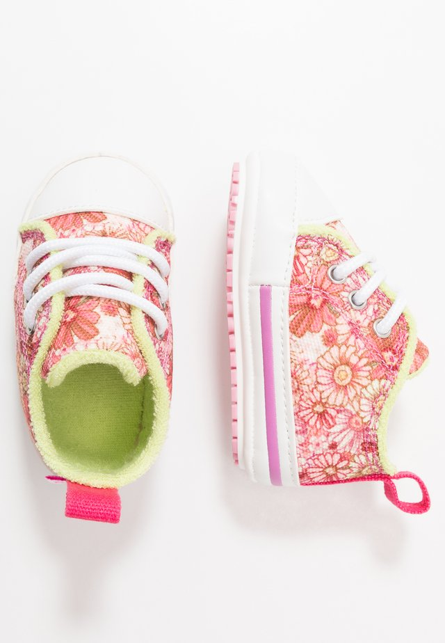 LOLA LOW - Baby gifts - baby pink