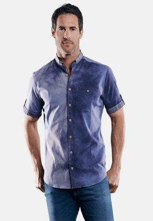 MODERNER BATIKOPTIK - Shirt - blau