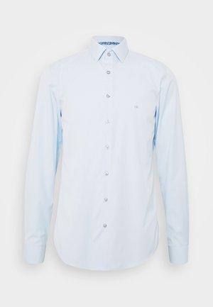 CONTRAST FLOWER PRINT SLIM - Koszula biznesowa - blue