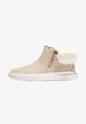 GRANDPRØ - Winter boots - beige