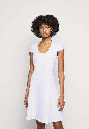 PARIS DARLING DRESS - Denní šaty - white