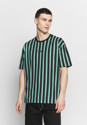 OVERSIZED  - T-shirt med print - green