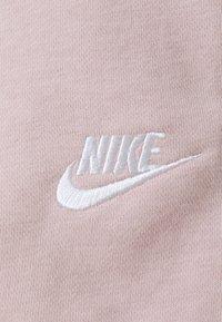 Nike Sportswear - Shorts - champagne/white - 5