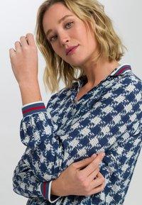 Marc Aurel - MIT ALLOVERPRINT - Button-down blouse - blue - 3