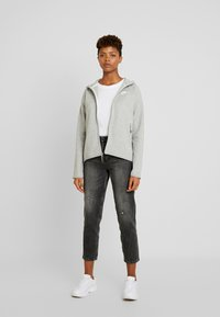 Nike Sportswear - Sudadera con cremallera - grey heather/white - 1