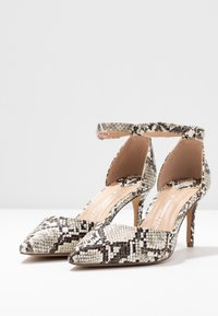 Dorothy Perkins Wide Fit - WIDE FIT DEMI COURT - Zapatos altos - multicolor - 4