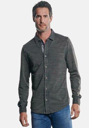 MIT GEFLAMMTER OPTIK - Shirt - grau