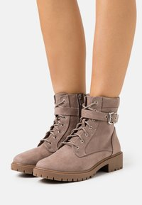 Dorothy Perkins Wide Fit - WIDE FIT MONA LACE UP - Lace-up ankle boots - grey - 0