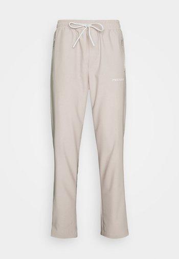 VINTO WIDE TRACK PANTS UNISEX - Teplákové kalhoty - whisper white