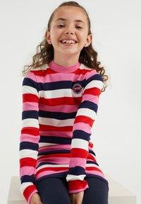 WE Fashion - MET GESTREEPTDESSIN - Jumper dress - multi-coloured - 2