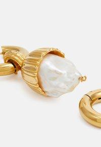 Timeless Pearly - Korvakorut - gold-coloured - 2