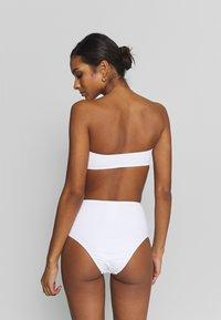 ONLY - ONLELLA BIKINI BANDEAU 2 PACK - Bikini top - black/bright white - 2