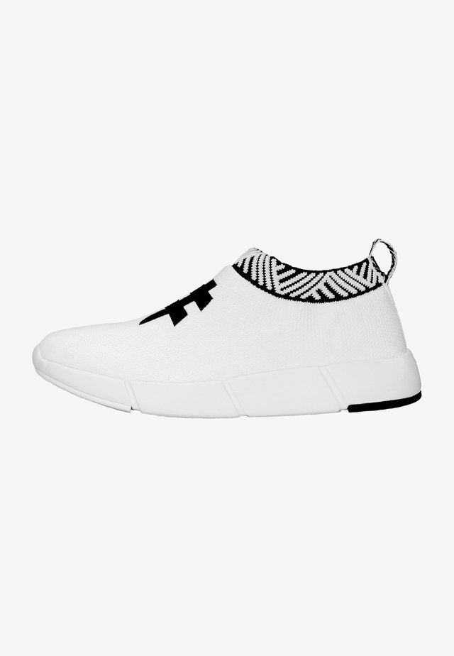 WATERPROOF COFFEE SNEAKERS - Sneakers laag - rebel white