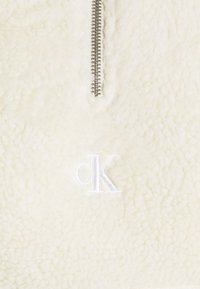 Calvin Klein Jeans - SHERPA MOCK NECK ZIP - Sweat polaire - soft cream - 2