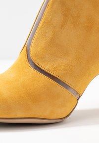 Tamaris - Boots à talons - safron - 2