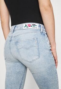 Replay - ROSE COLLECTION NEW LUZ PANTS - Jeans Skinny Fit - super light blue - 3