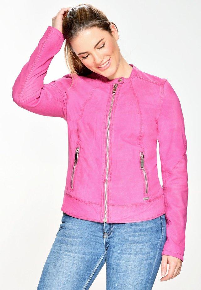 MIT RUNDHALSKRAGEN AVOCA - Leren jas - pink