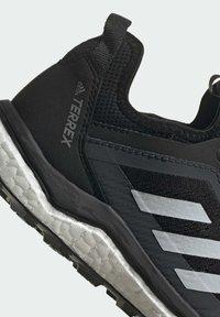 adidas Performance - TERREX AGRAVIC FLOW SCHUH - Nøytrale løpesko - black - 8