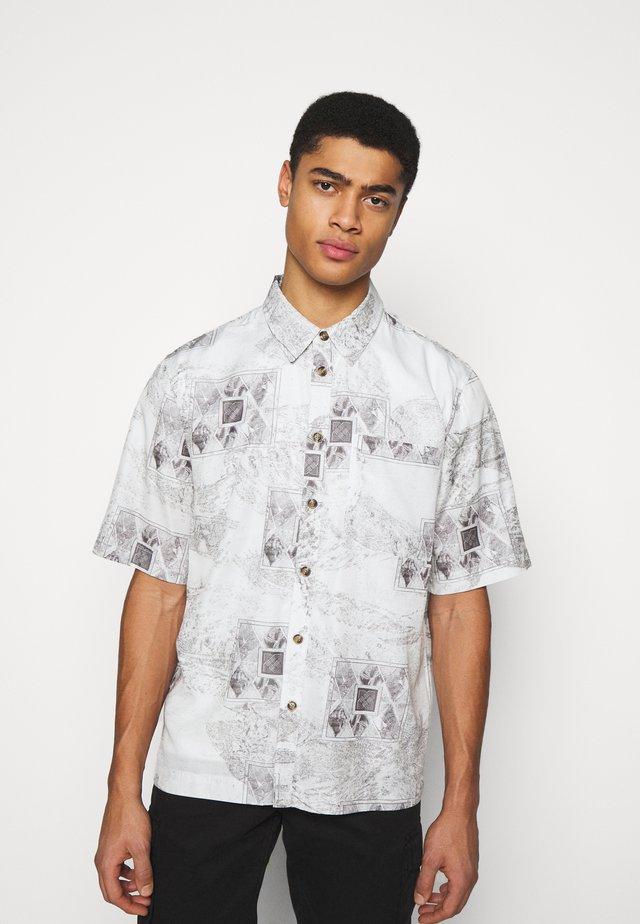 BOXY  - Shirt - bleach diamond