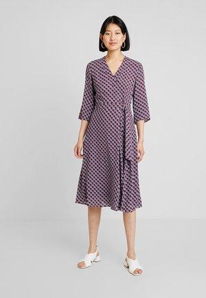 DRESS WRAP STYLESLEEVE - Day dress - bordeaux