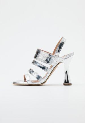 POP - Sandalen met hoge hak - silver