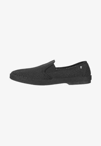 30° - Nazouvací boty - black