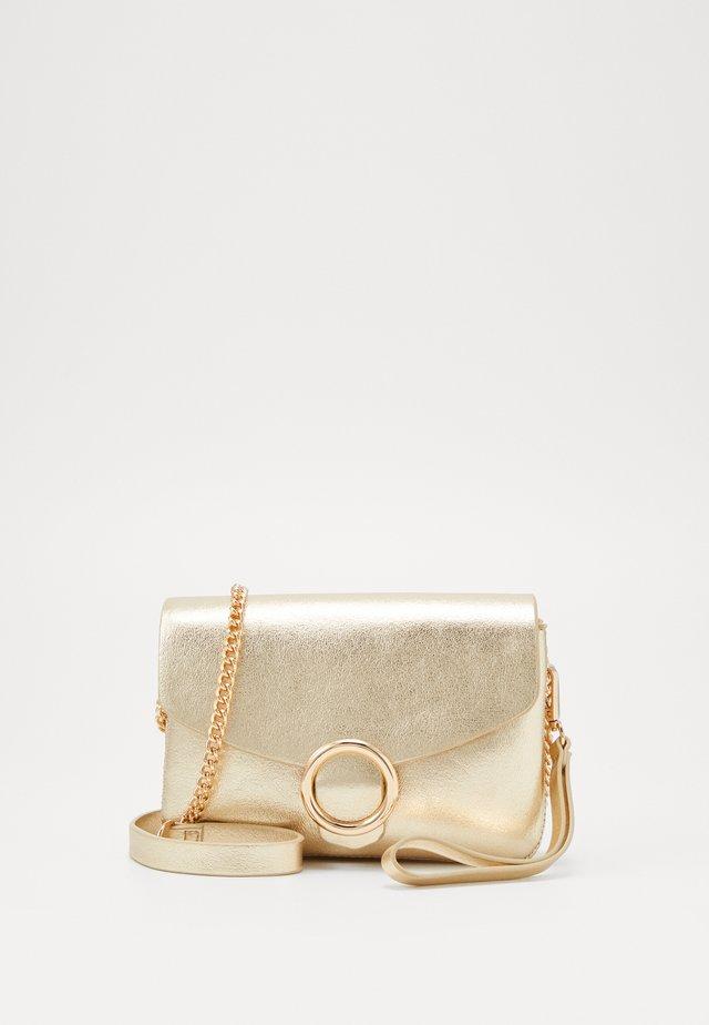 REMMA - Across body bag - light gold