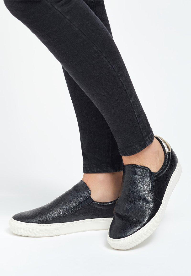 Next - Nazouvací boty - black