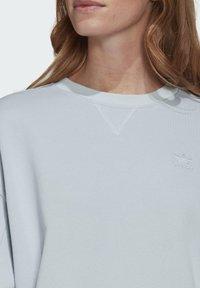 adidas Originals - ADICOLOR 3D TREFOIL OVERSIZE SWEATSHIRT - Sweatshirt - blue - 3