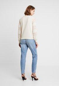 ONLY - ONLCLOVER - Sweatshirt - pumice stone - 2