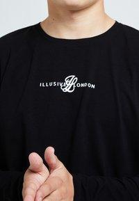 Illusive London Juniors - ILLUSIVE LONDON DUAL - Print T-shirt - black - 3