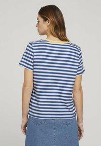 TOM TAILOR DENIM - RELAXED STRIPE TEE - Print T-shirt - blue/white - 2