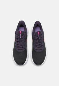 Nike Performance - REVOLUTION 5 - Scarpe running neutre - black/hyper pink/cave purple/lilac/white - 3