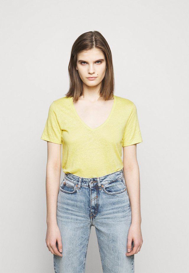 WOMENS DELETION LIST - Basic T-shirt - strong mustard
