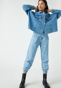PULL&BEAR - Jeansy Relaxed Fit - blue-grey - 5
