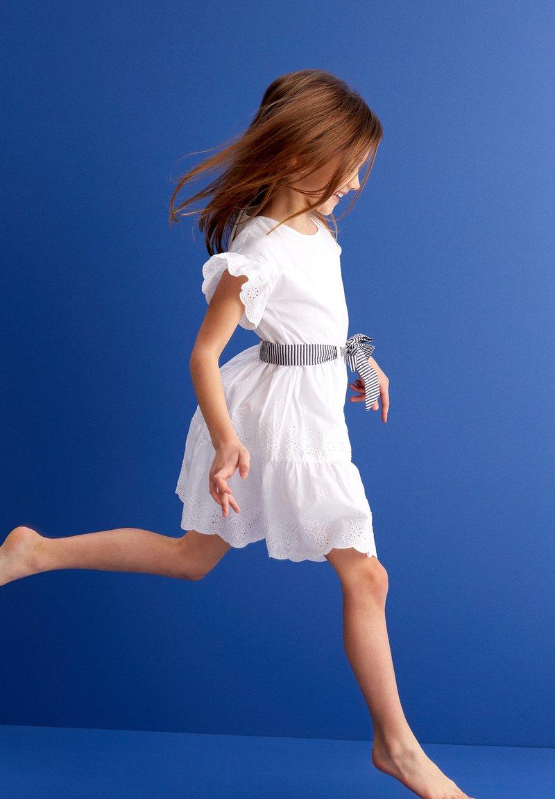 MINOTI - Vestito estivo - white