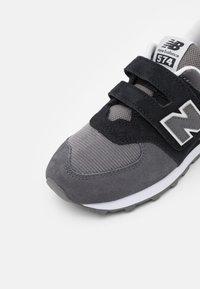 New Balance - PV574WS1 - Baskets basses - black - 5