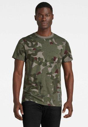 CAMO - Print T-shirt - hatton contour camo