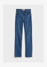 Bershka - Bootcut jeans - blue denim - 4