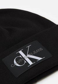 Calvin Klein Jeans - BEANIE MONOGRAM UNISEX - Beanie - black - 2