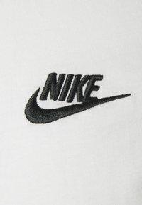 Nike Sportswear - CLUB TEE - T-shirt - bas - sail/black - 2