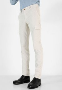 Scalpers - Cargo trousers - off white - 0