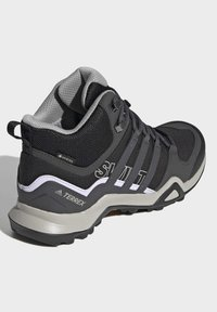 adidas Performance - TERREX SWIFT R2 MID GTX SHOES - Outdoorschoenen - black - 4