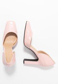 NA-KD - SQUARED - Escarpins à talons hauts - dusty pink - 3