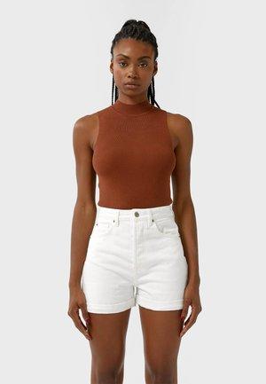 01352770 - Shorts - white