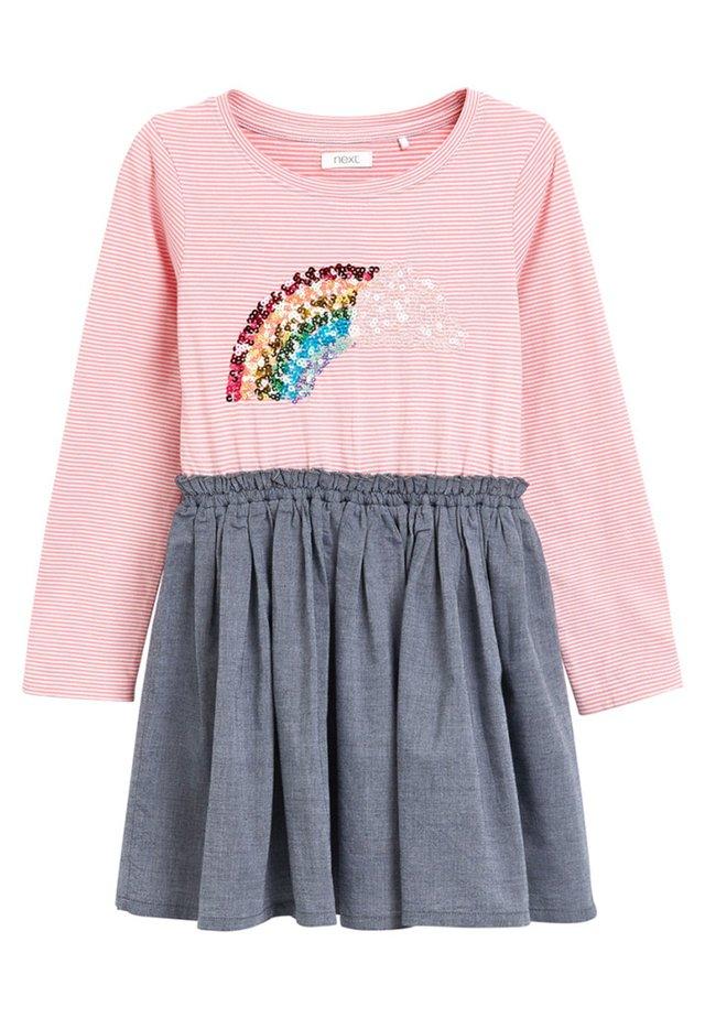 STRIPE SEQUIN - Robe d'été - pink