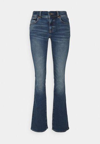 KICK BOOT - Flared Jeans - indigo waters